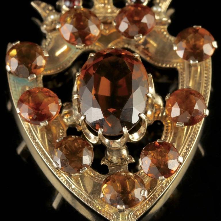 Antique Victorian Scottish Gold Cairngorm Shield Pendant, circa 1860 In Excellent Condition For Sale In Lancaster, Lancashire