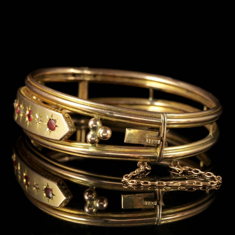 Antique Victorian 9 Carat Gold Star Set Ruby Diamond Bangle, circa 1900 In Excellent Condition For Sale In Lancaster, Lancashire