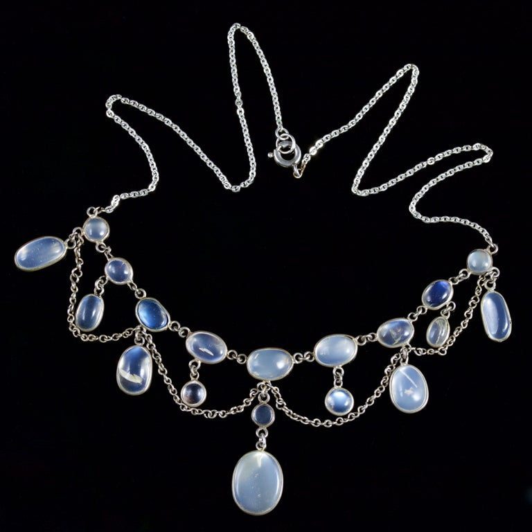 Antique Victorian Moonstone Necklace Garland Silver, circa 1880 In Excellent Condition For Sale In Lancaster, Lancashire