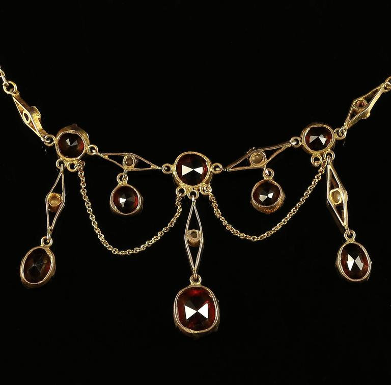 Antique Victorian Garnet Pearl Yellow Gold Lavaliere Necklace For Sale 2