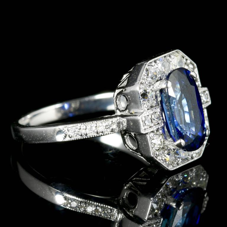 Sapphire Diamond Ring 2.50 Carat Sapphire 1.30 Carat Diamond 18 Carat Gold In Excellent Condition For Sale In Lancaster, Lancashire