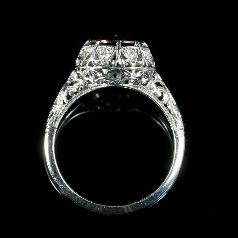 Antique Edwardian Platinum Garnet Diamond Ring, circa 1920 For Sale 2