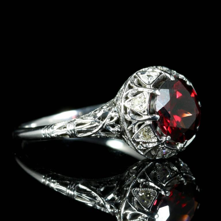 Antique Edwardian Platinum Garnet Diamond Ring, circa 1920 For Sale 1