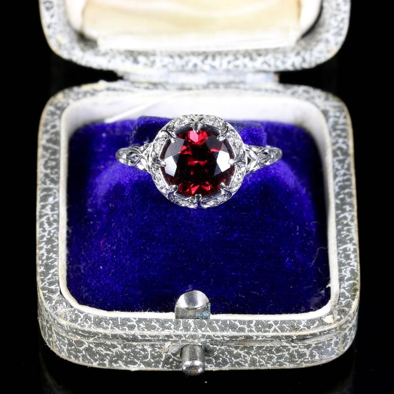 Antique Edwardian Platinum Garnet Diamond Ring, circa 1920 For Sale 3