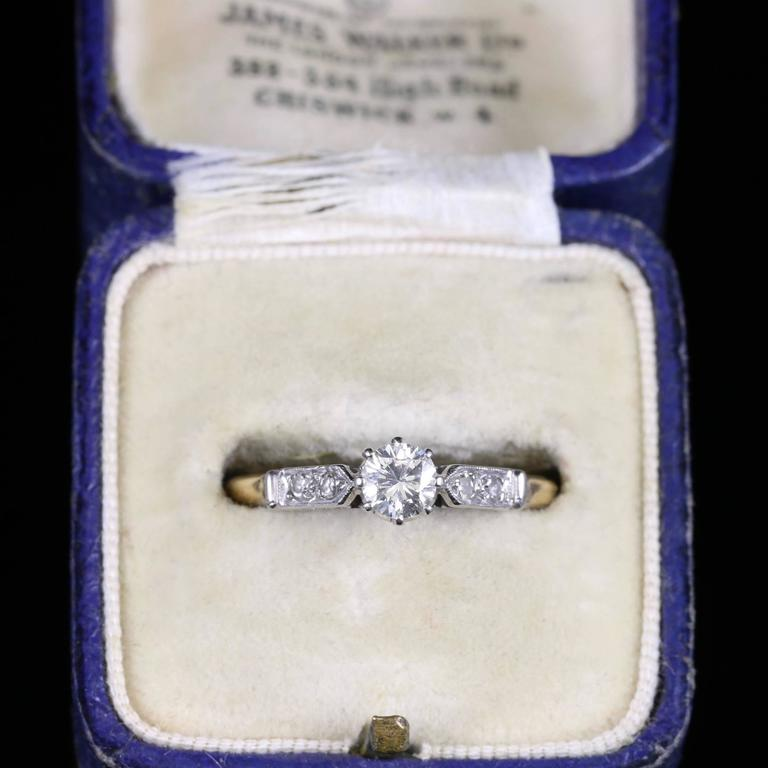 Antique Edwardian Diamond Solitaire Engagement Ring, circa 1915 For Sale 2