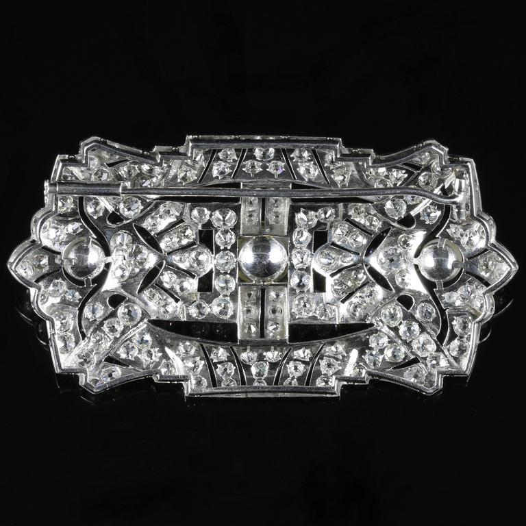Antique Art Deco Diamond Pearl 18 Carat White Gold 11 Carat of Diamonds Brooch For Sale 3