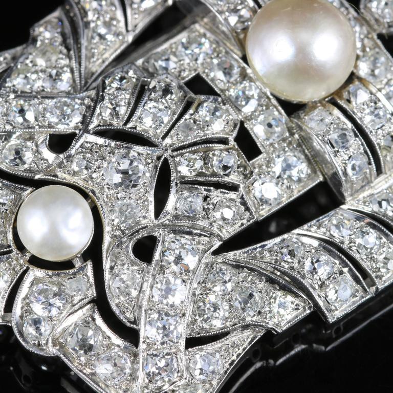 Women's Antique Art Deco Diamond Pearl 18 Carat White Gold 11 Carat of Diamonds Brooch For Sale