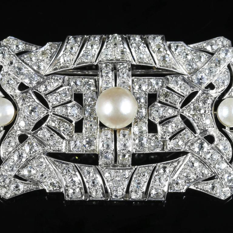 Antique Art Deco Diamond Pearl 18 Carat White Gold 11 Carat of Diamonds Brooch In Excellent Condition For Sale In Lancaster, Lancashire