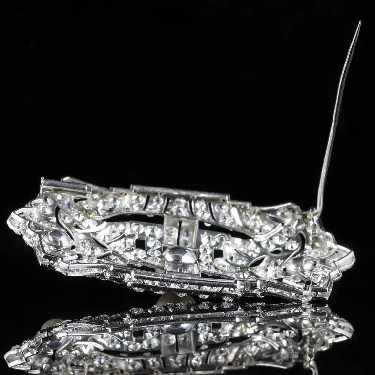 Antique Art Deco Diamond Pearl 18 Carat White Gold 11 Carat of Diamonds Brooch For Sale 2