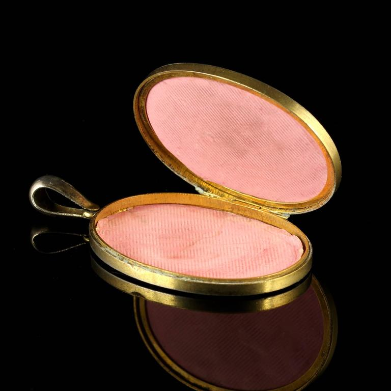 Antique Victorian Gold Silver Locket, circa 1880 For Sale 1