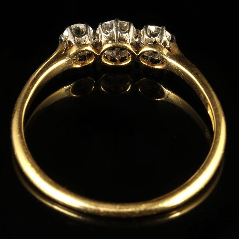 Antique Edwardian Diamond Trilogy Ring 18 Carat Gold circa 1910 Engagement Ring For Sale 1