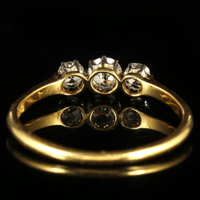 Antique Edwardian Diamond Trilogy Ring 18 Carat Gold circa 1910 Engagement Ring In Excellent Condition For Sale In Lancaster, Lancashire