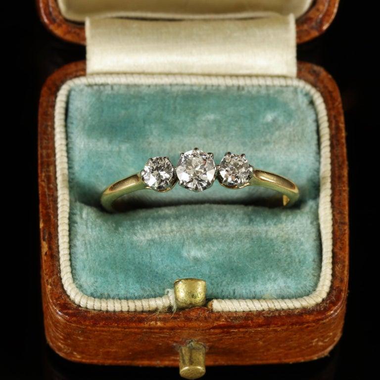 Antique Edwardian Diamond Trilogy Ring 18 Carat Gold circa 1910 Engagement Ring For Sale 4