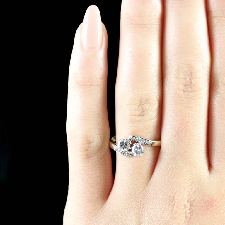 Antique Edwardian Diamond Twist Engagement Ring, circa 1910 For Sale 4