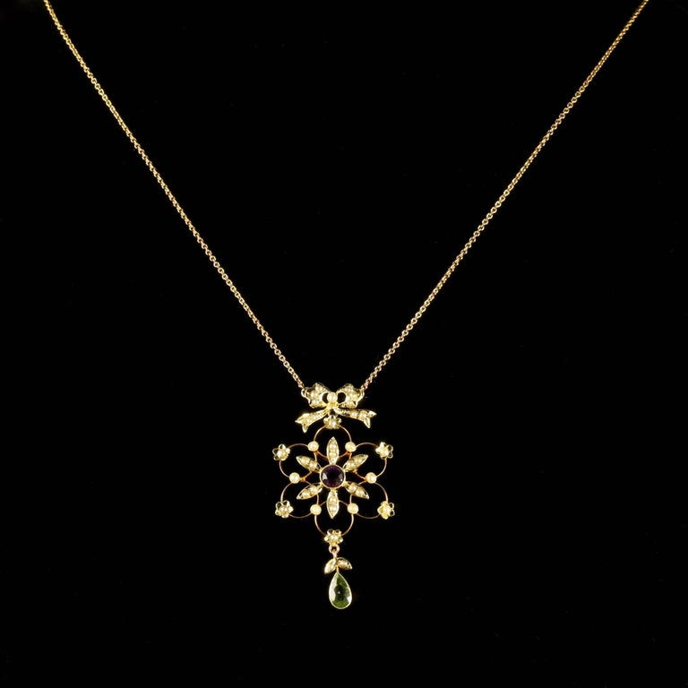 Antique Victorian Suffragette 15 Carat Gold Necklace Circa 1900 In Excellent Condition For