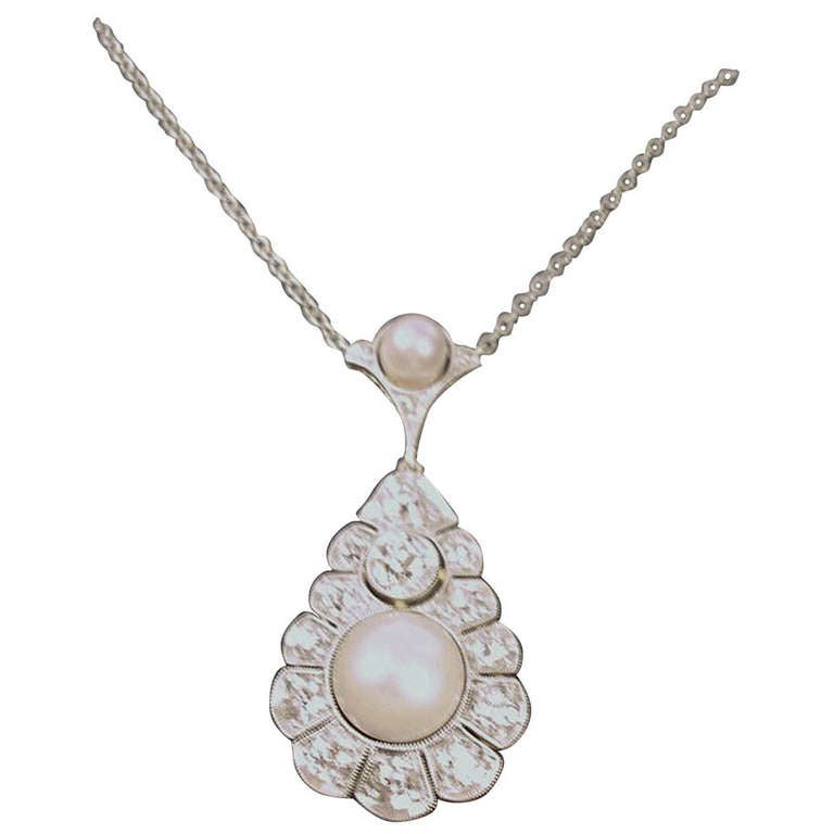1920s Art Deco Sea Pearl 1.90 Carat Diamond Gold Pendant Necklace