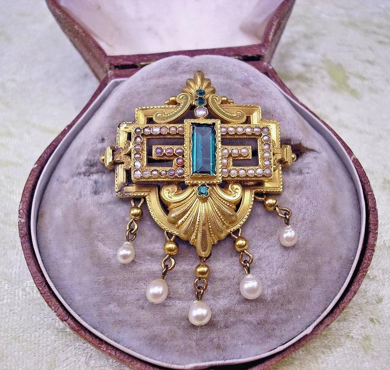 Biedermeier Brooch Gold Emeralds Tourmaline Pearls Original Case made c.1850 In Excellent Condition For Sale In Vienna, AT