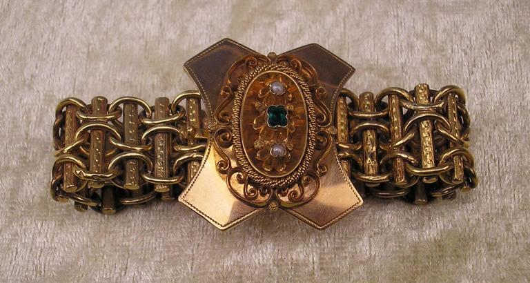Early Victorian 1850 Biedermeier BRACELET GOLD ONE EMERALD TWO PEARLS AUSTRIA  For Sale