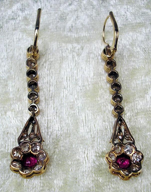 Austrian Art Nouveau Diamond Gold 585 Rubies Eardrops circa 1900 Drop Earrings 4