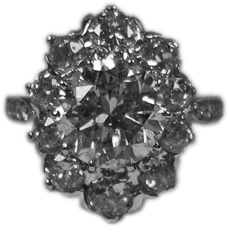 Art Deco Vienna Gold 585 Diamonds Solitaire Cluster Gold Engagement Ring For Sale 1