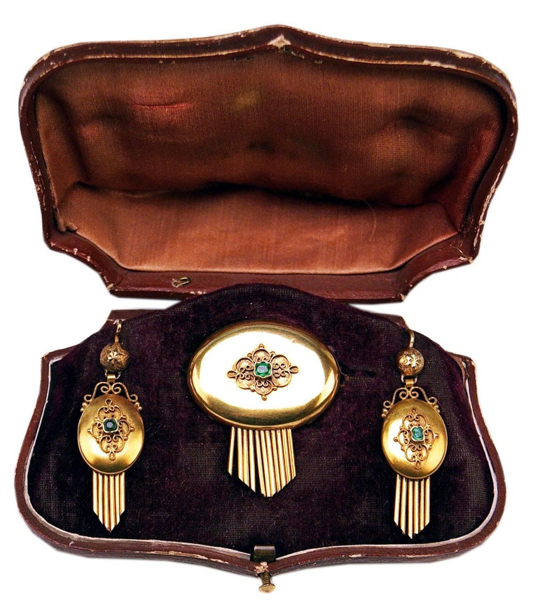 High Victorian Drop Earring Brooch Jewelry Set 14 Carat Gold Emeralds Vintage, Vienna, Austria For Sale