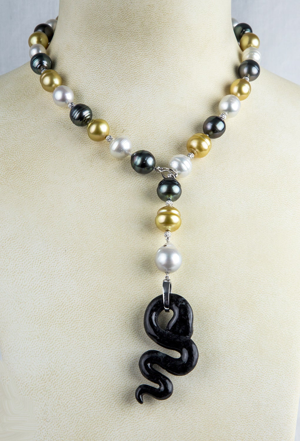 Black Jade Pearl Diamond Gold Snake Necklace 3