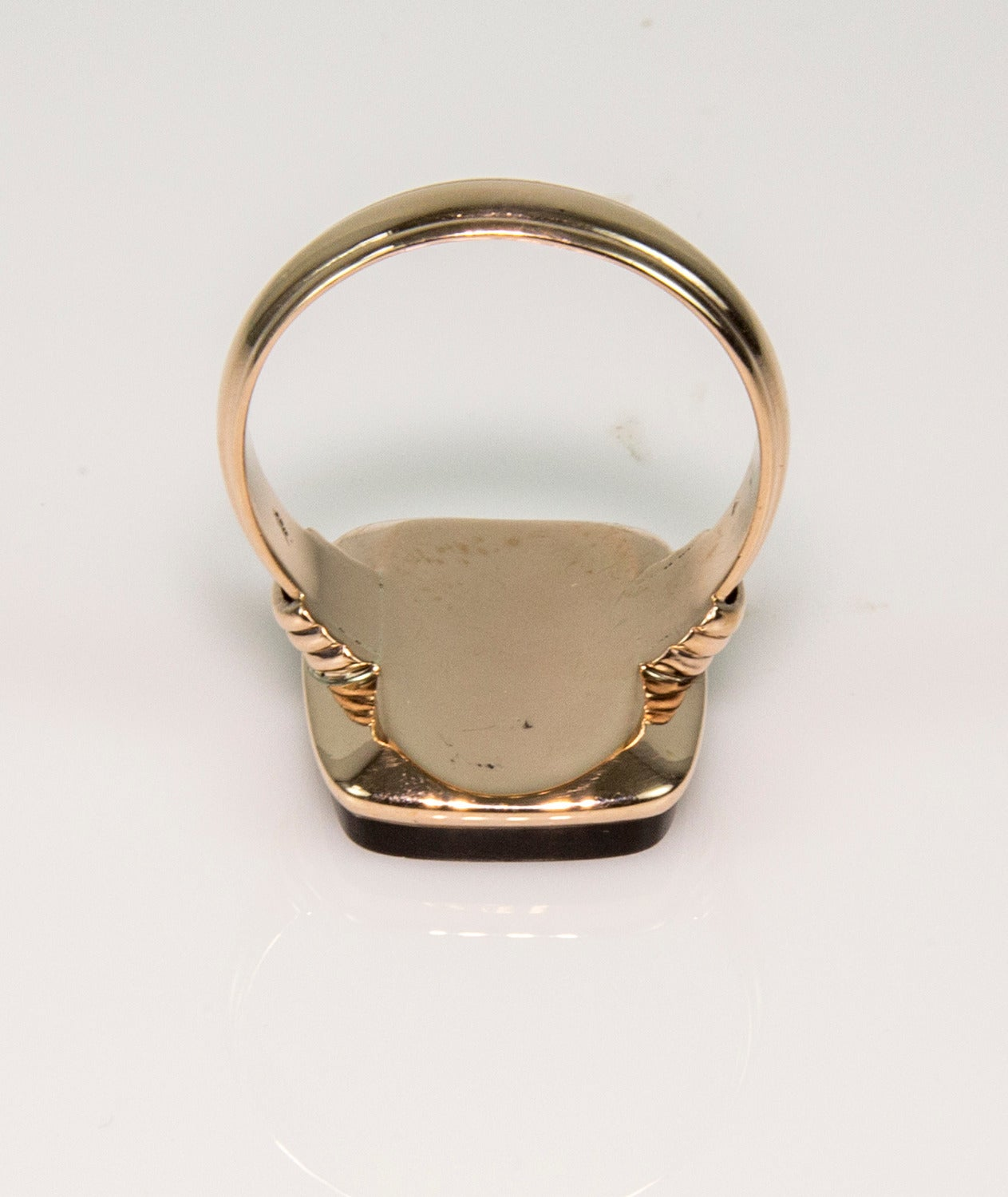 Victorian Brown Onyx Intaglio Signet Rose Gold Ring 4