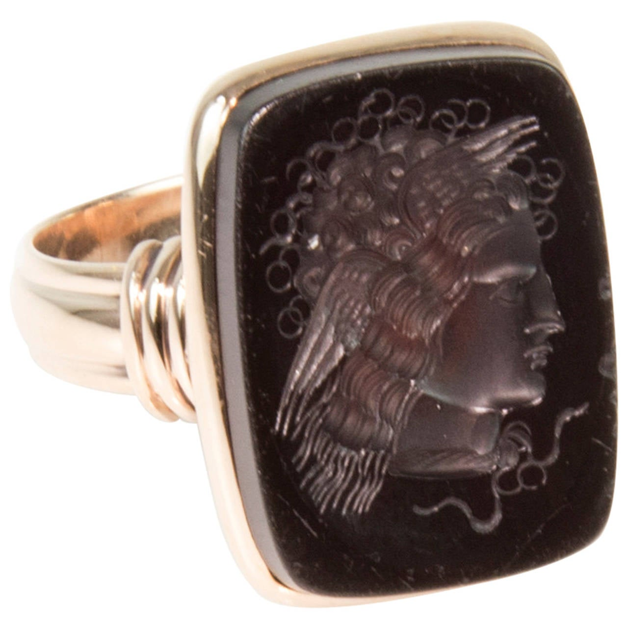 Victorian Brown Onyx Intaglio Signet Rose Gold Ring 1