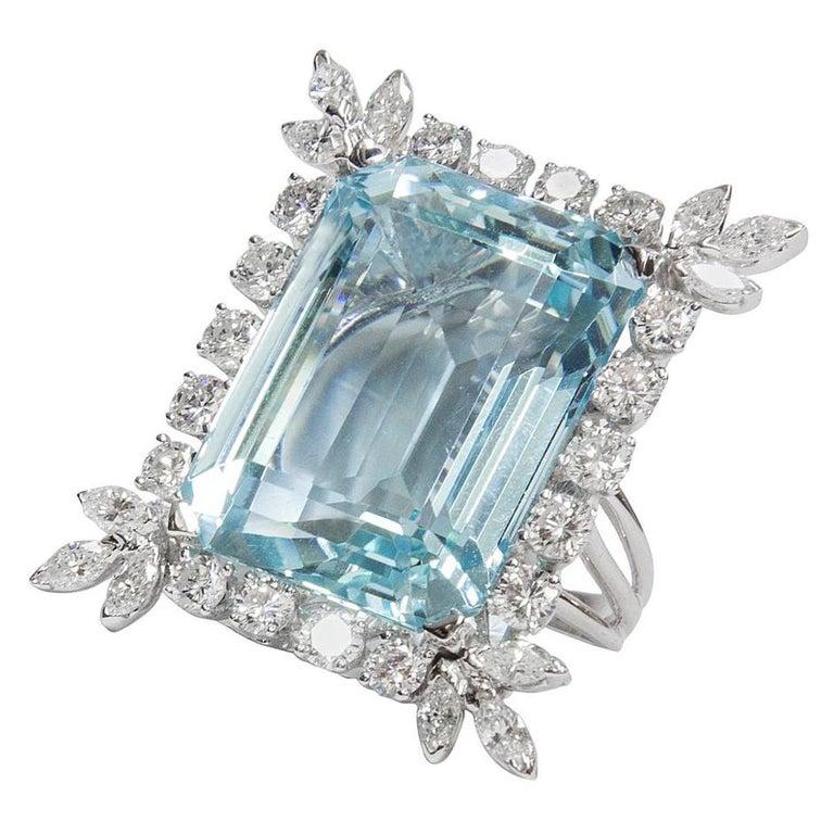 47 Carat Natural Aquamarine Diamond Platinum Ring In Excellent Condition For Sale In Montreal, QC