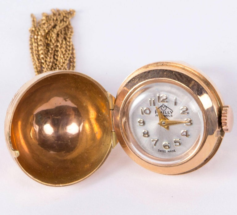 Modernist Gold Ball Tassel Pendant Watch, circa 1960s In As new Condition For Sale In Montreal, CA