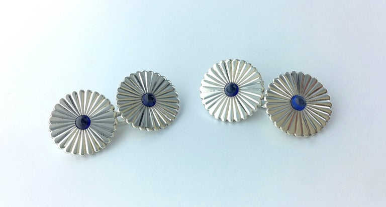 1910s French Art Nouveau Pair of Sapphire and Silver Cufflinks In Excellent Condition For Sale In Geneva, CH