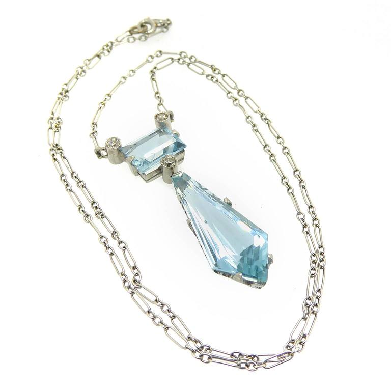 Vintage Aquamarine Diamond Drop Pendant, circa 1940s In Excellent Condition For Sale In Yorkshire, West Yorkshire