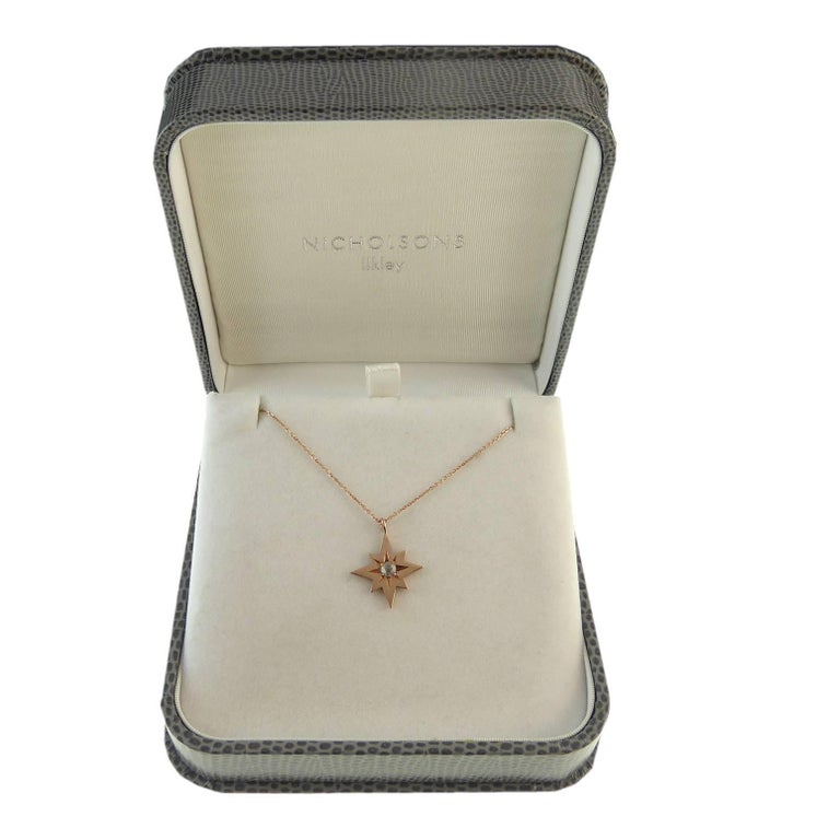 Modern, Pre-Owned Rose Cut Diamond Pendant in 9 Carat Rose Gold Star Setting In Excellent Condition For Sale In Yorkshire, West Yorkshire