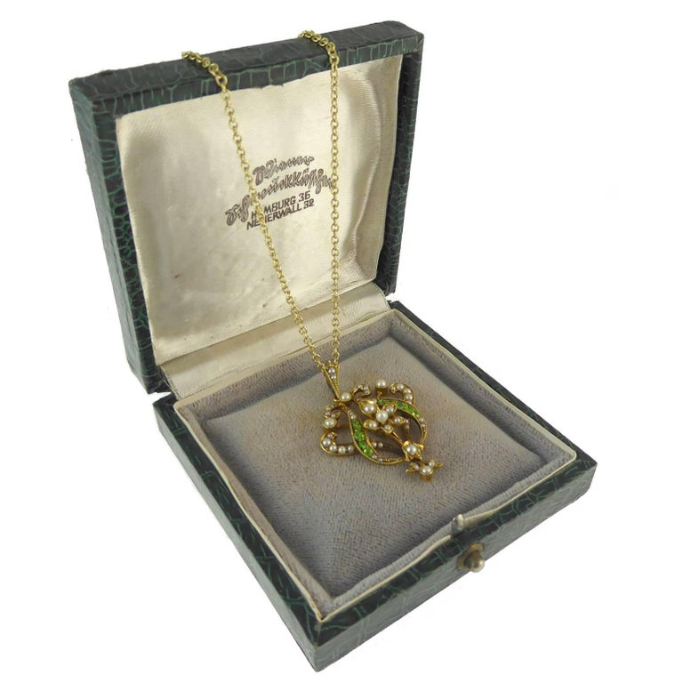 Antique Art Nouveau Pendant, 15 Carat Gold with Demantoid Garnet and Seed Pearls 5