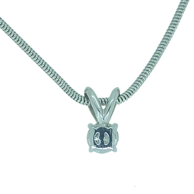 Vintage 0.65 Carat Diamond Solitaire Necklace with 18 Carat White Gold Chain For Sale 1