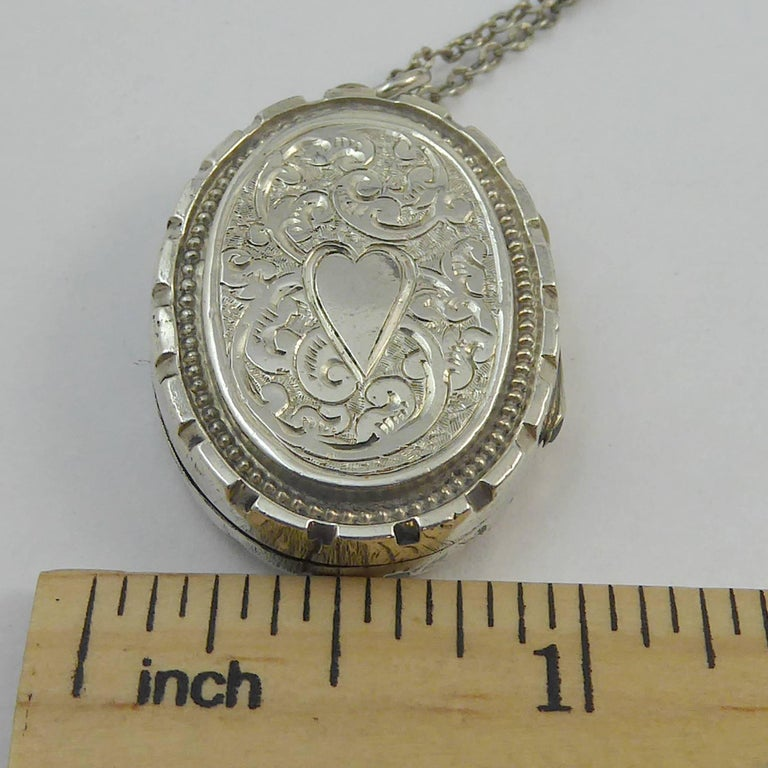 Antique Silver Locket, Silver Chain, circa Edwardian, Hand and Machine Engraved For Sale 4