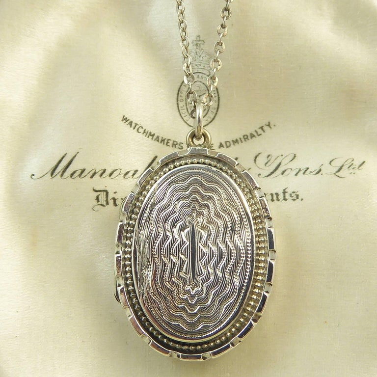 Antique Silver Locket, Silver Chain, circa Edwardian, Hand and Machine Engraved In Excellent Condition For Sale In Yorkshire, West Yorkshire