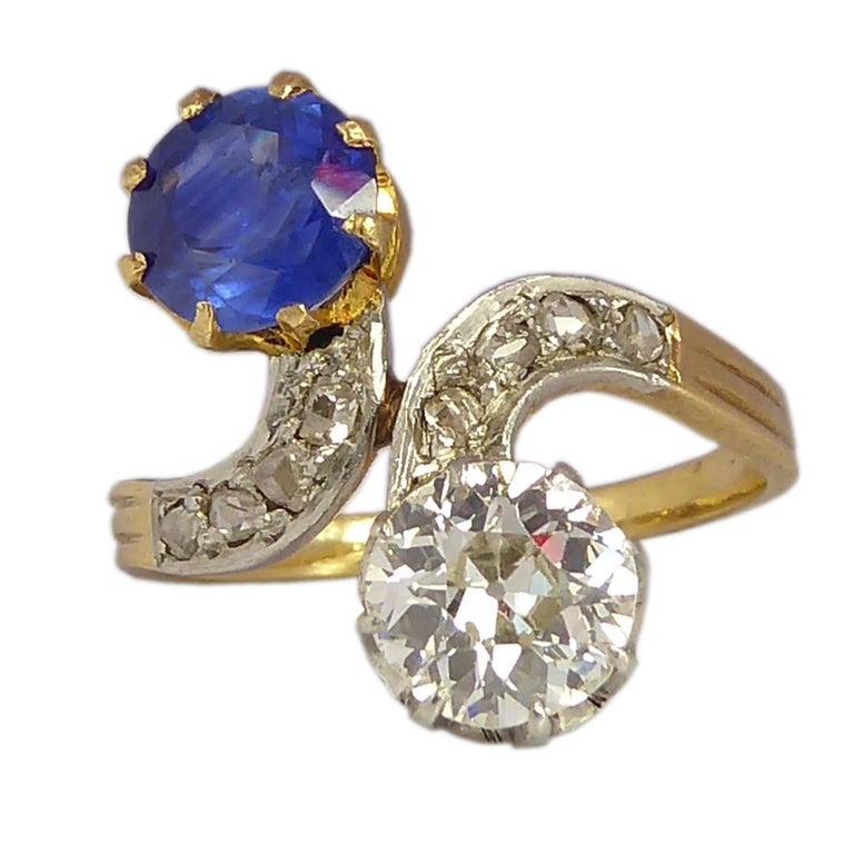 Art Deco Diamond Sapphire Ring, Toi et Moi, 18 Carat Gold, circa 1920s