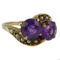 Vintage Amethyst and Pearl Cross-Over Twist Ring in Yellow Gold