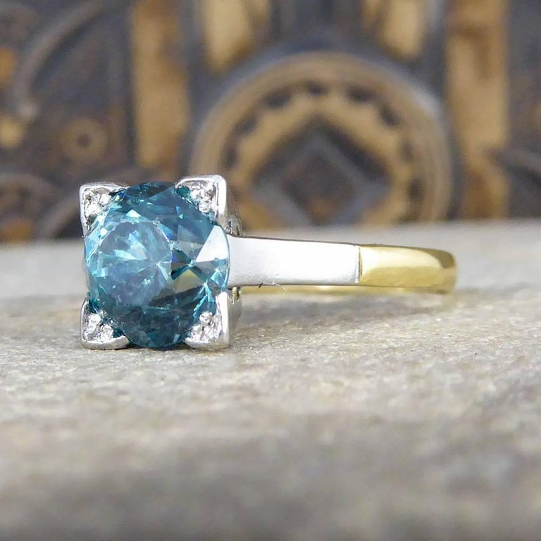 1.75 Carat Blue Zircon Art Deco Ring in 18 Carat Yellow Gold and Platinum For Sale 1