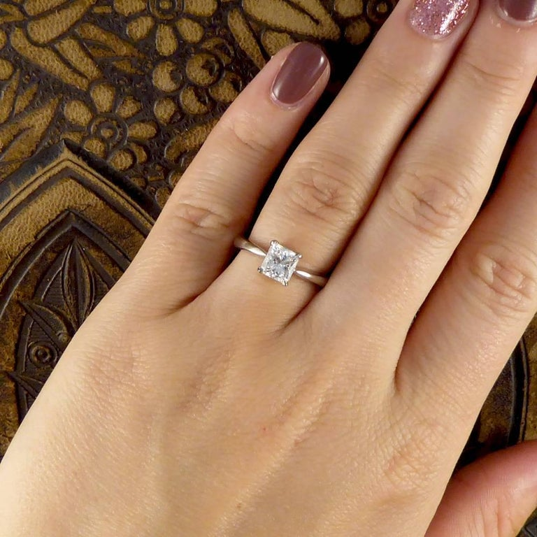 Princess Cut 1 Carat Diamond Solitaire Ring Set in 18 Carat White Gold For  Sale 3 5fa14299d