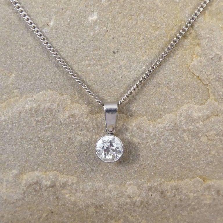 Art Deco 0.85 Carat Diamond Pendant on a Modern 18 Carat White Gold Chain For Sale 1