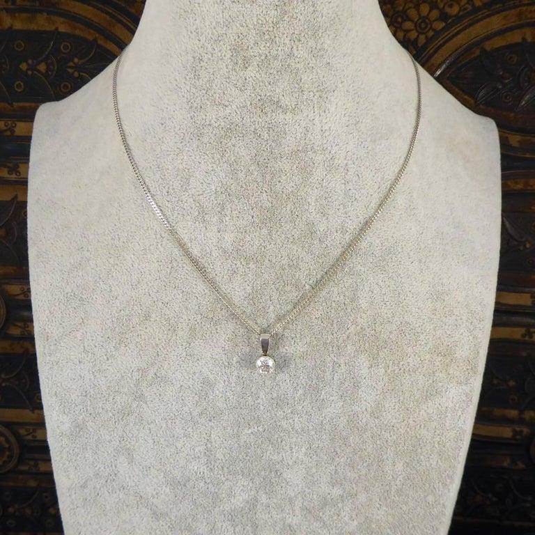 Art Deco 0.85 Carat Diamond Pendant on a Modern 18 Carat White Gold Chain For Sale 3