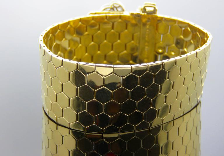 Retro Van Cleef & Arpels Diamond Gold  Buckle Bracelet In Good Condition For Sale In New York, NY