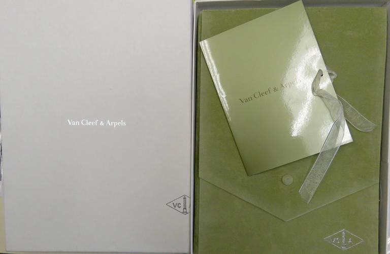 Van Cleef & Arpels Alhambra Mother-of-Pearl Necklace and Bracelet Set 10