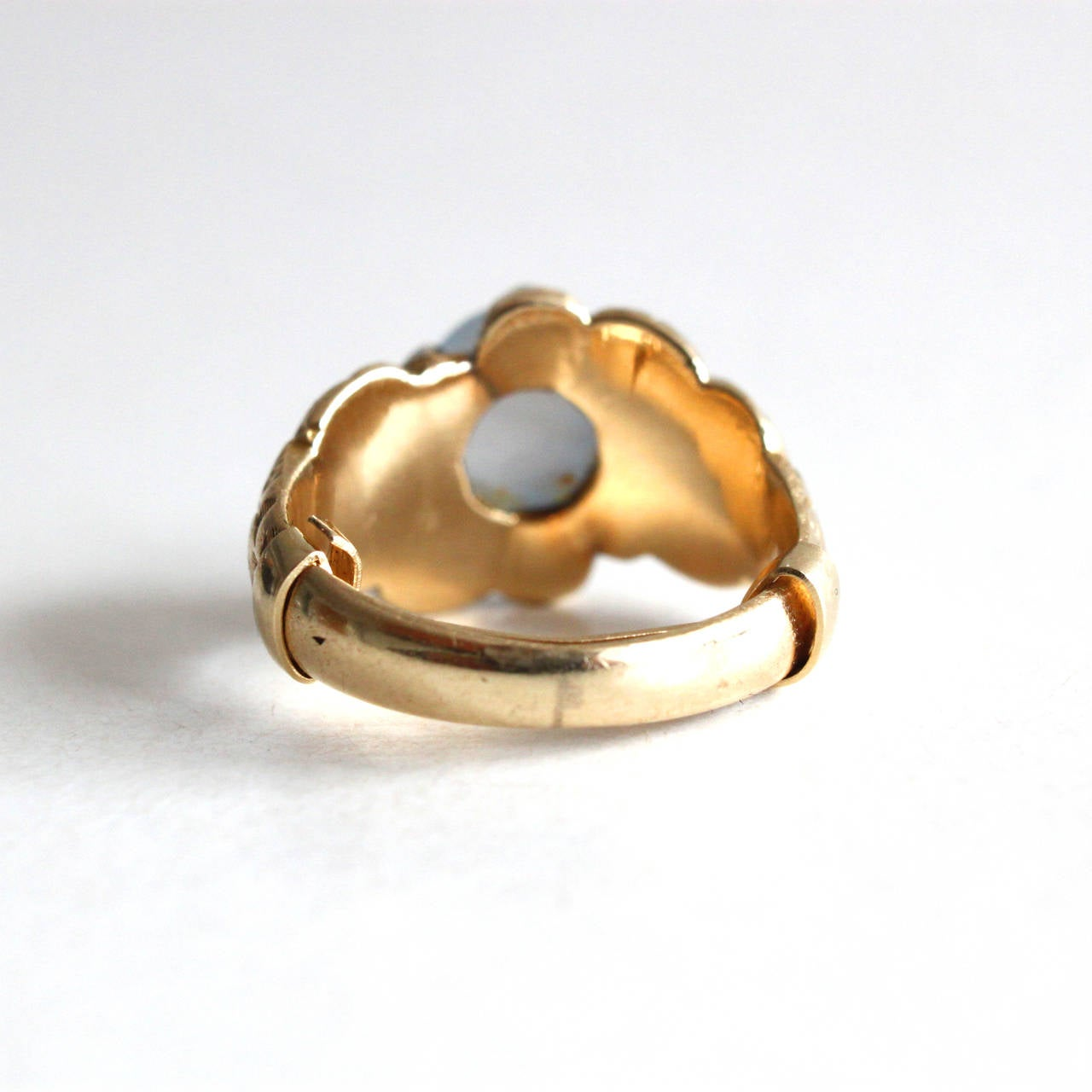 Star Sapphire Gold Claw Ring For Sale 1