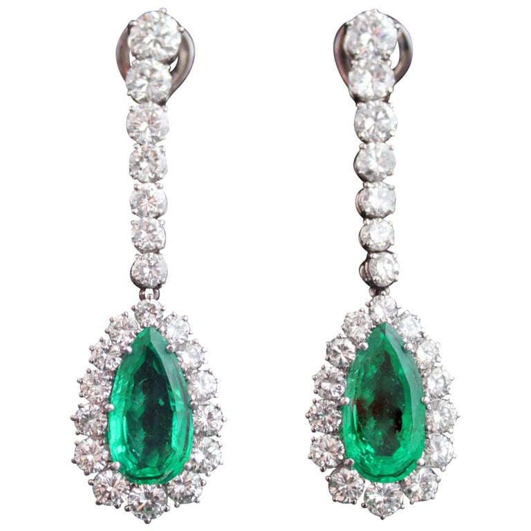 Emerald Diamond Gold Pendant Earrings For Sale at 1stdibs