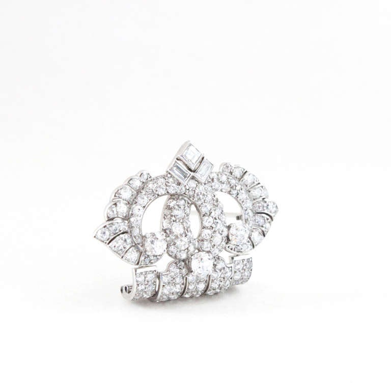 Cartier Art Deco Diamond Platinum Brooch In Excellent Condition For Sale In Idar-Oberstein, DE