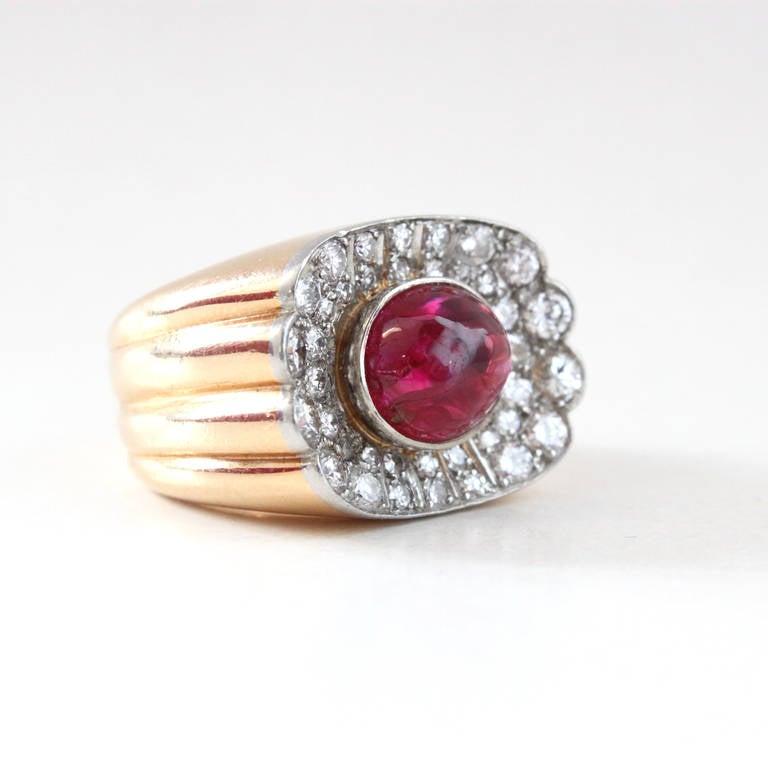 Big Ruby Diamond Gold Retro Ring In Excellent Condition For Sale In Idar-Oberstein, DE