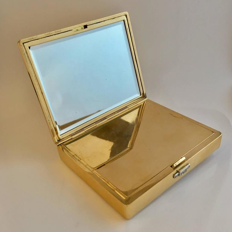 Cartier Paris 1940s 18K Gold Diamond Compact Cigarette Case In Excellent Condition For Sale In Idar-Oberstein, DE
